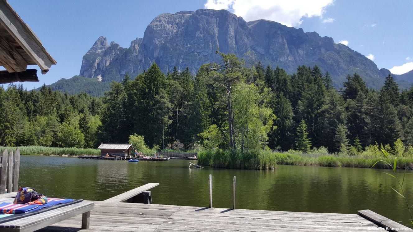 Wheelchair-Tours-Wheelchair-Völs-Pond-Summer-Privatsteg