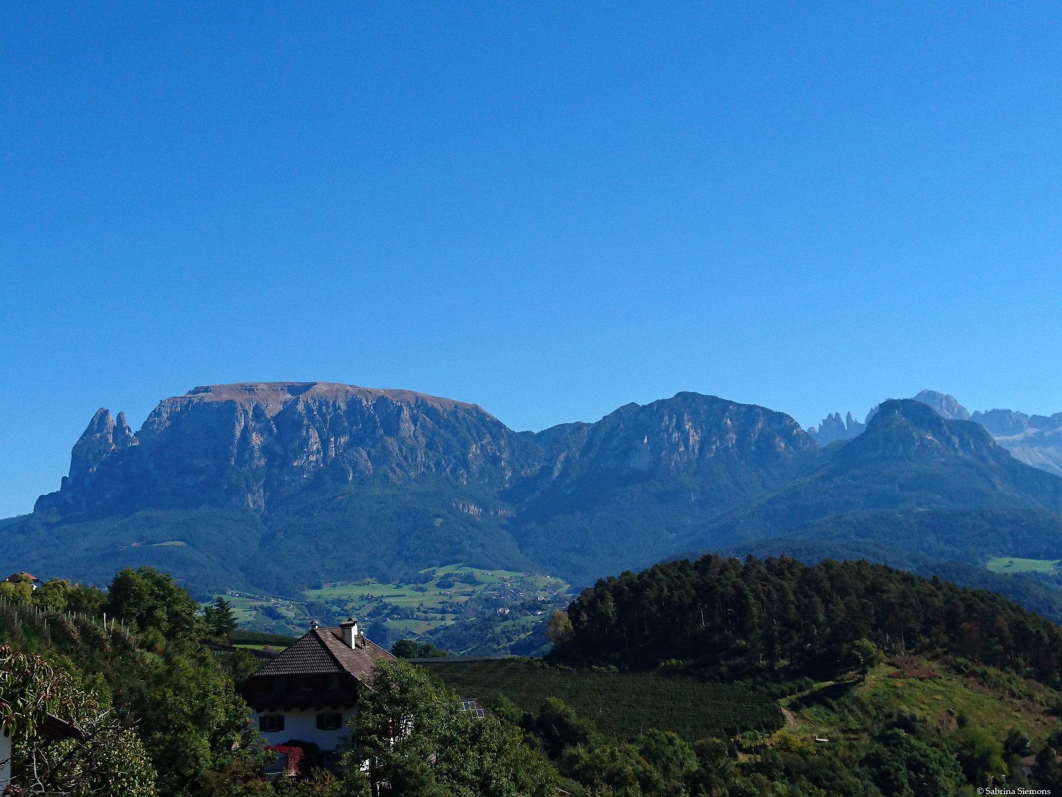 Wheelchair-Tours-Wheelchair-Rittner-Horn-View-of-Dolomites