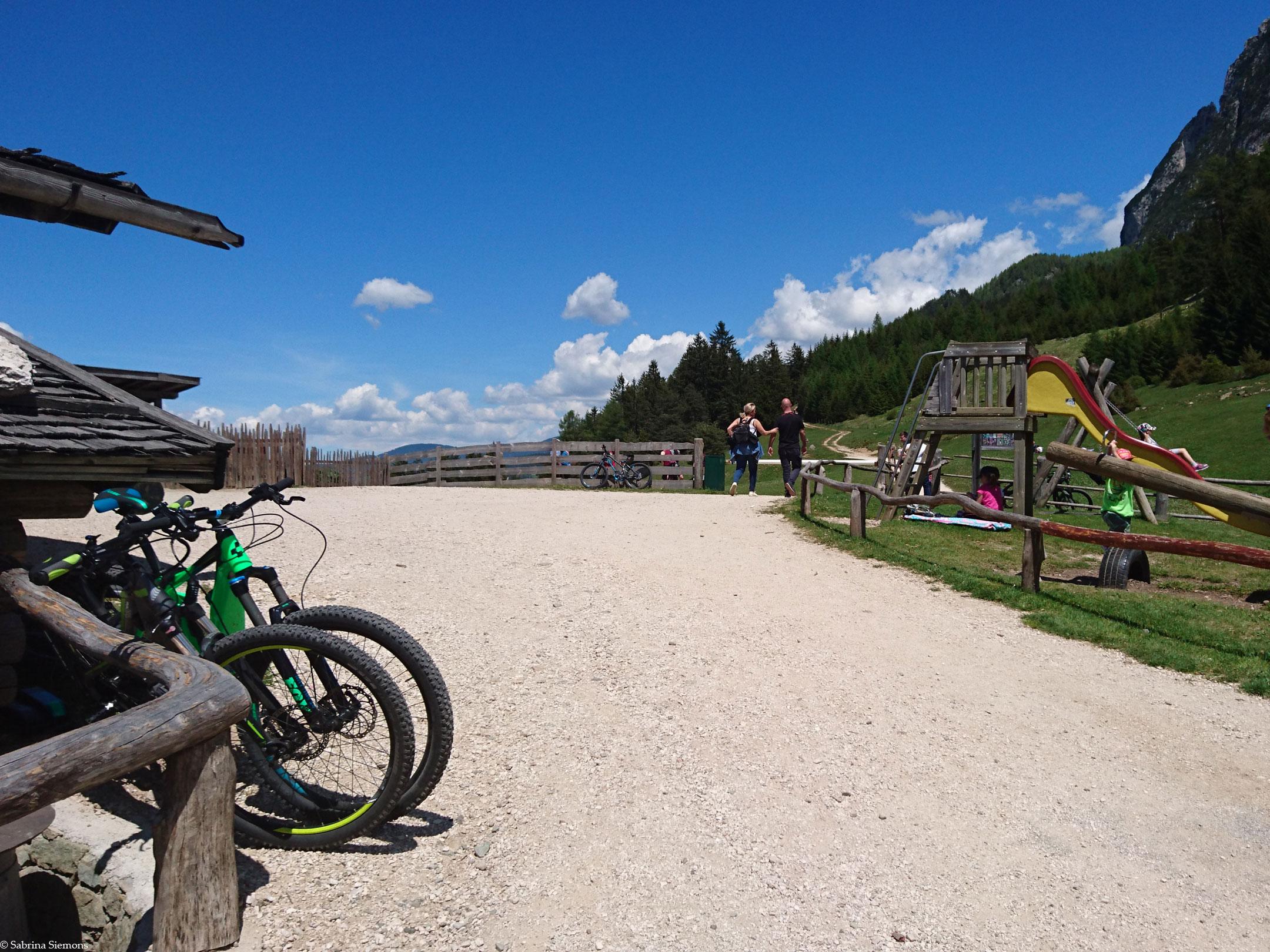 Wheelchair-Tours-Wheelchair-Tuffalm-Entrance-from-Hiking-Trail-1