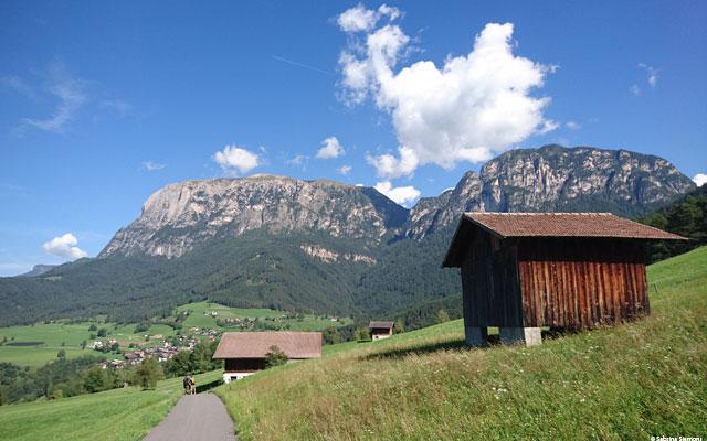 Tour in sedia a rotelle-Wheelchair-Eisacktal-Schnaggenkreuz-Hütte