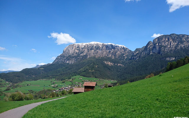 heelchair-Tours-Wheelchair-Eisacktal-Schnaggenkreuz-Weg-von-Proesels-zum-Schnaggenkreuz-Rückweg