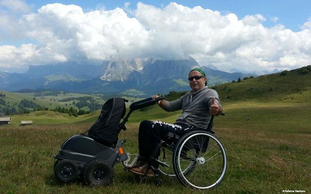 Wheelchair-Tours-Wheelchair-Seiser-Alm-Puflatsch-Outlook-Plattkofel-Langkofel-with-Walter