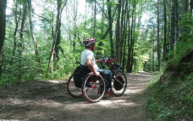 Wheelchair-Tours-Rollstuhl-Eisacktal-Brixen-Vahrner-See-Seeweg-mit.-Baumi