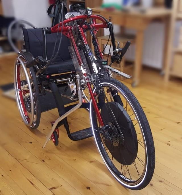 Handbike als Erweiterung des Rollstuhls