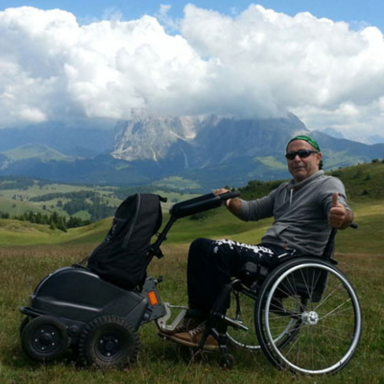 Wheelchair-Tours-Rollstuhl-Seiser-Alm-Puflatsch-Ausblick-Plattkofel-Langkofel-mit-Walter-Ueber-uns
