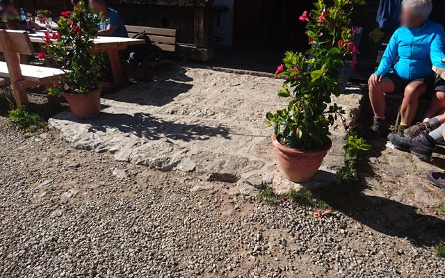 Wheelchair-Tours_Rollstuhl-Touren-Meran-Umgebung-Virgiljoch-Eingang-Schwarze-Lacke