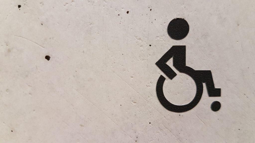 Wheelchair_Tours_Rollchair_unsplash_Rollchair_Marianne_Bos