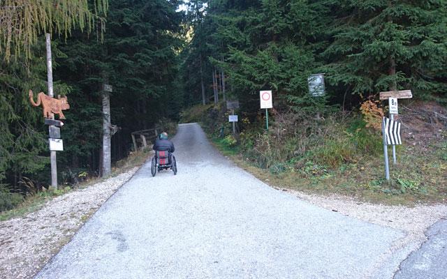 Wheelchair_Tours_Dolomiten_Rosengarten_Haniger_Schwaige_Startpunkt