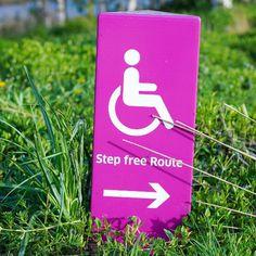 Wheelchair_tours_Rollstuhl_Social_Media_Wheelchair-Tour-Signs