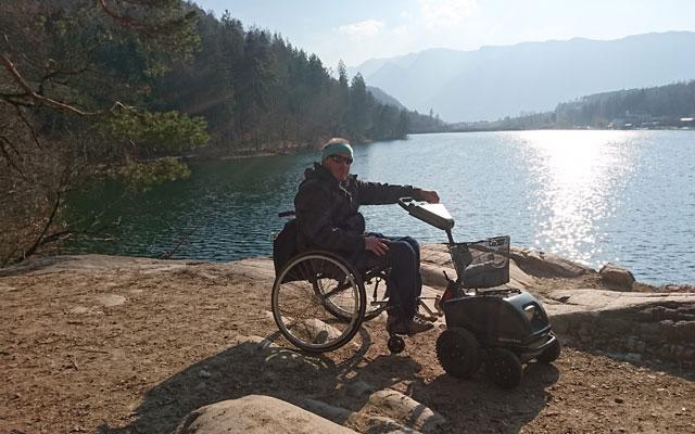 Wheelchair-Tours-Wheelchair-Hiking-Unterland-Suedtirol-AltoAdige-Montiggler-See-Baumi