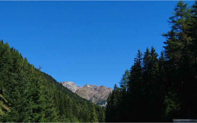 Wheelchair-Tours-Wheelchair-Pustertal-Muehlbachtal-View-on-Mountains