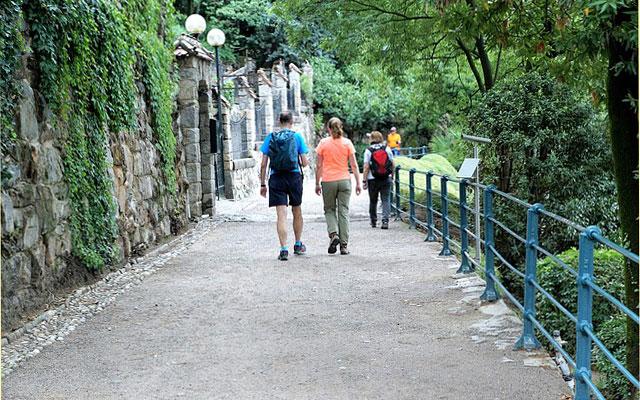 Wanderer auf der Tappeinerpromenade