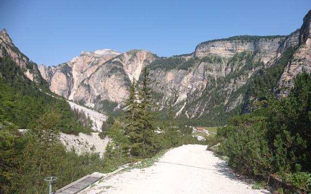 View back to Pederü