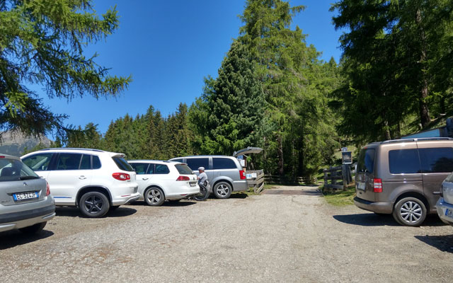 Zur Klausner Hütte: Parkplatz Kühhof