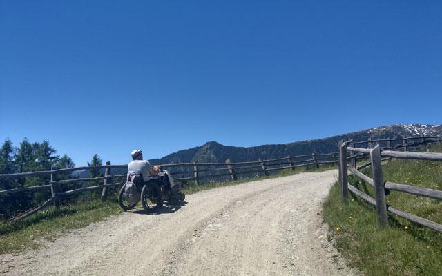 Zur Klausner Hütte: Teil des Wanderweges Nr. 1 entland der Latzfonser Almwiesen